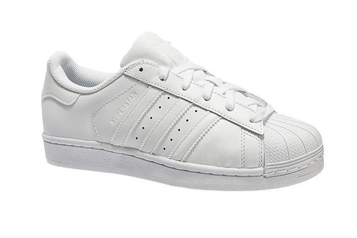 chic Originals Superstar Foundation women's Fashion Sneaker White