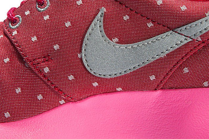 ... Nike Roshe Run Print (GS) 677784-606 ...
